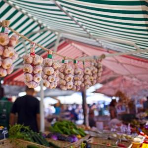 garlic-nice-market