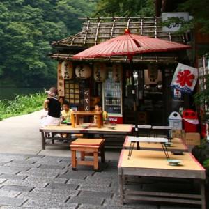 kyoto-food-stall